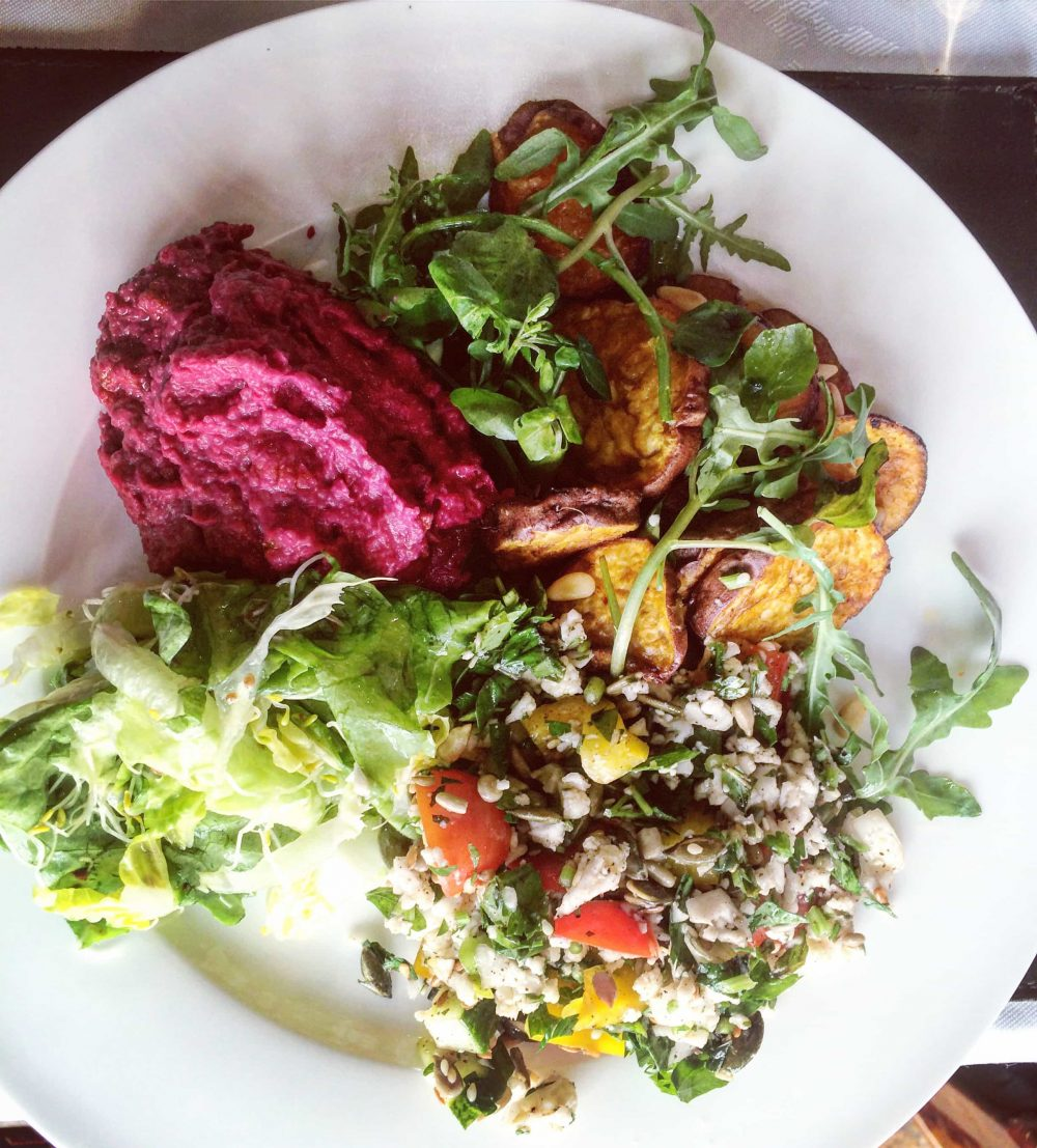 a plate of detoxing foods east sussex retreat