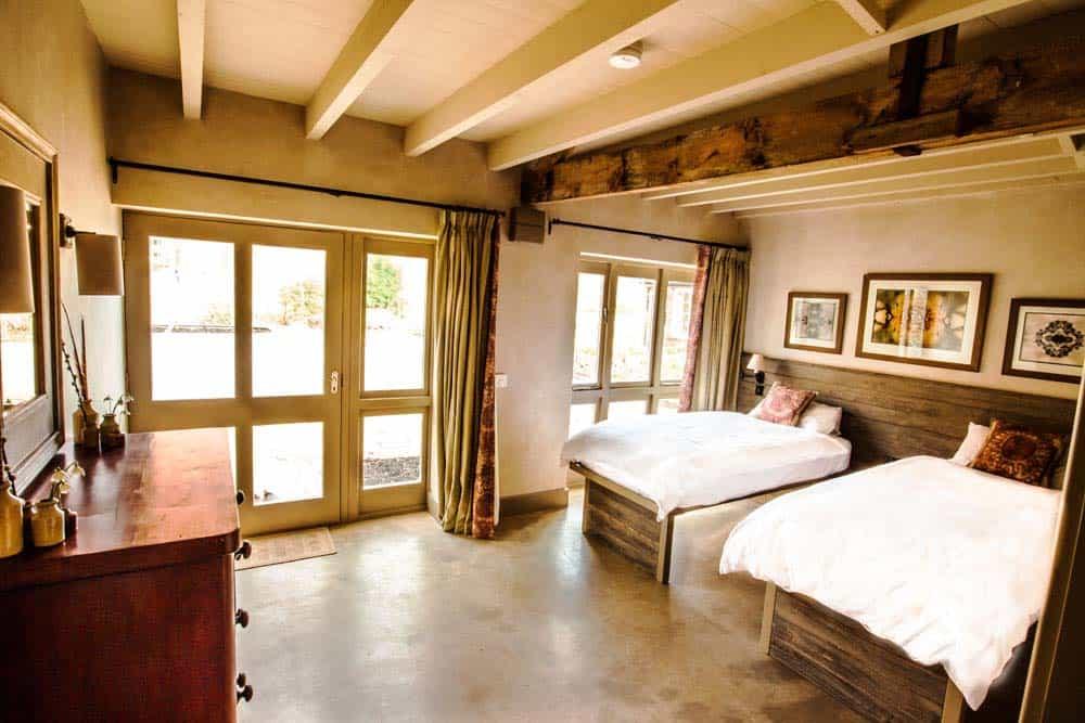 twin bedroom Norfolk yoga retreat