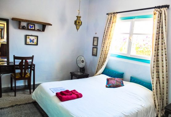 Butterfly-room-yoga-morocco-double-bed