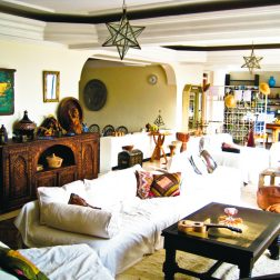 living-room-yoga-retreat-morocco