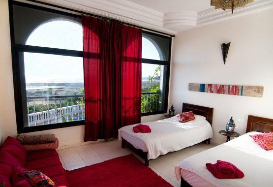 Scarlet-room-morocco-yoga-surf-retreat