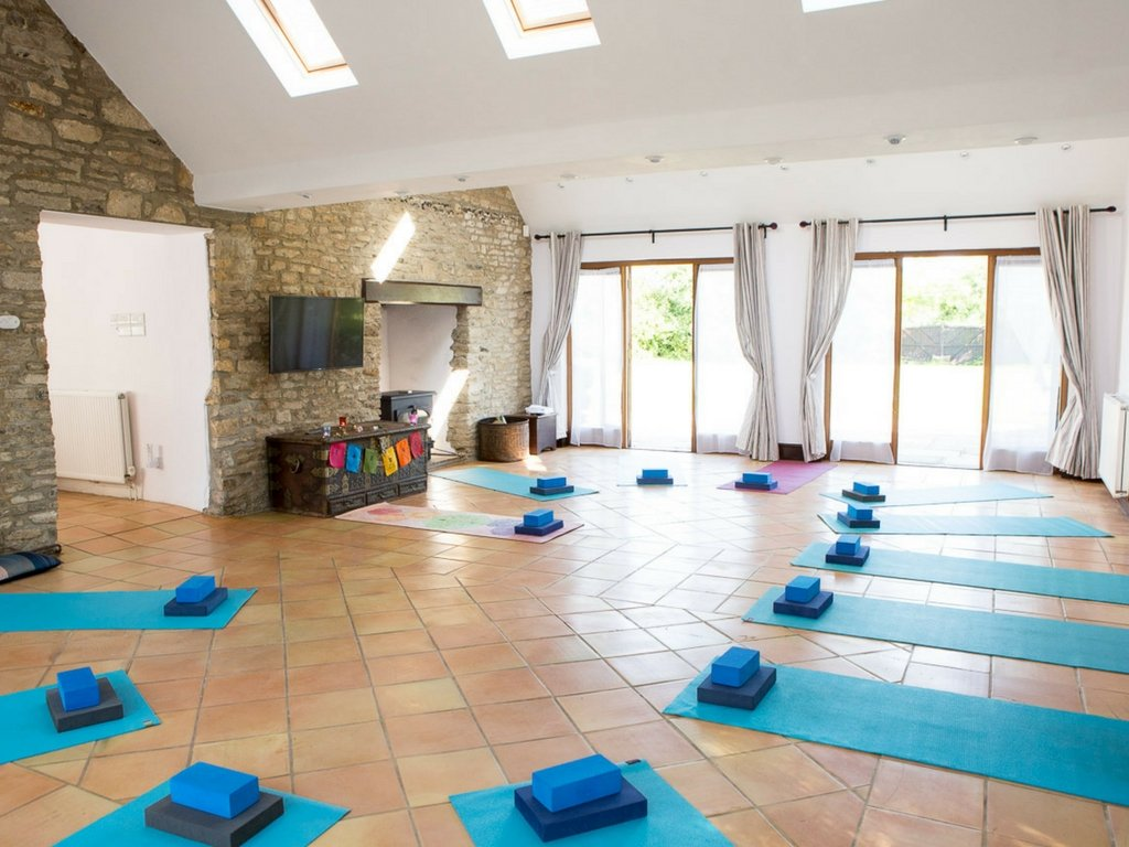 yoga space sun shining through sky lights Thrupp Oxfordshire