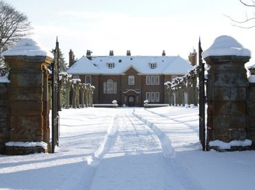 Oxfordshire retreat venue snow