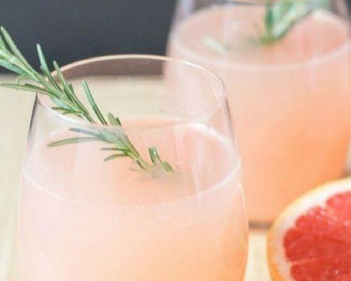 Festive Mocktails: Grapefruit and Rosemary Mocktails