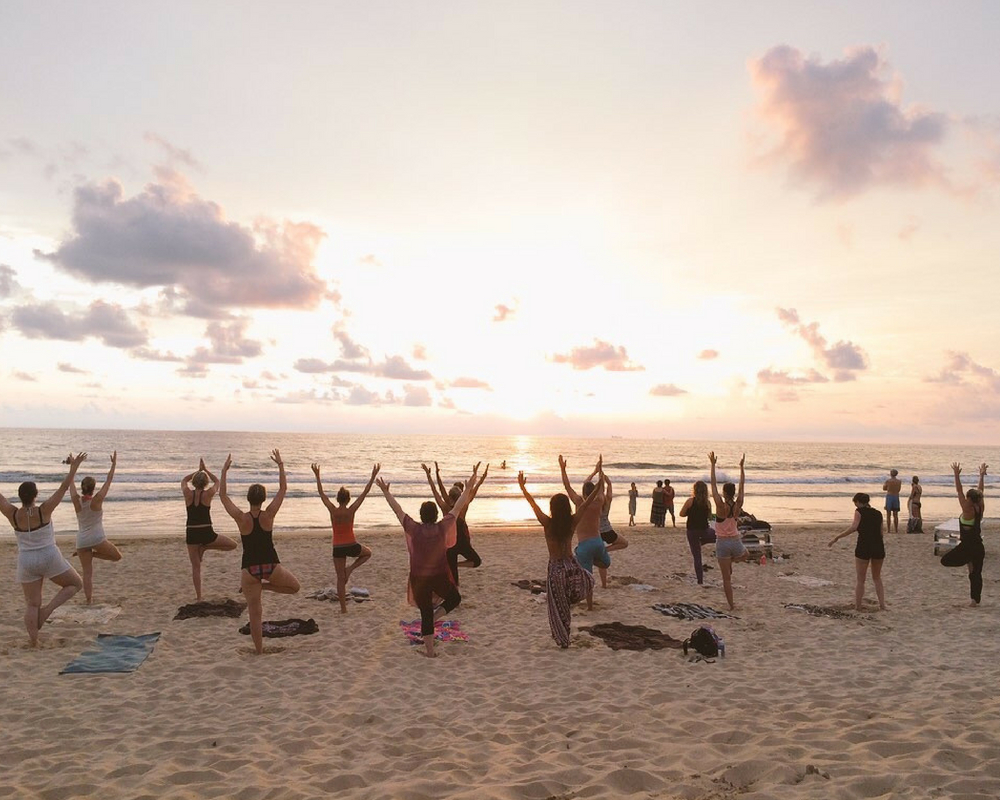 yoga-beach-sunset-sri-lank-sunshine-surf-beach-yoga-holiday