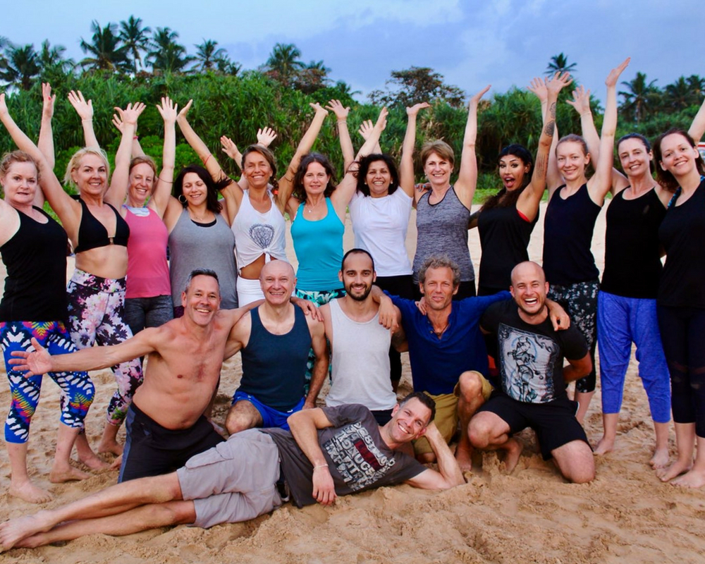 group-photo-guests-sir-lanka-yoga-holiday-beach