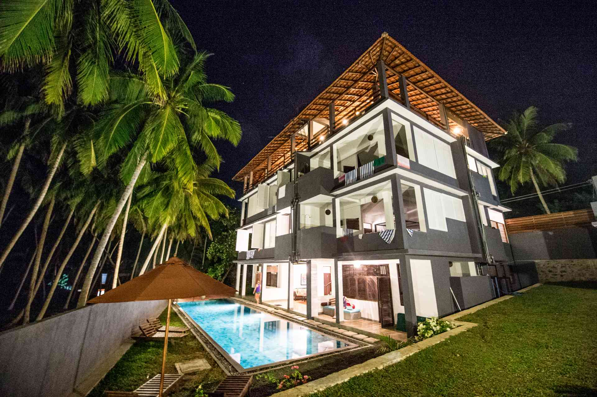 Sri-Lanka-Jasper-house-exterior-veiw-pool-lights-at-night