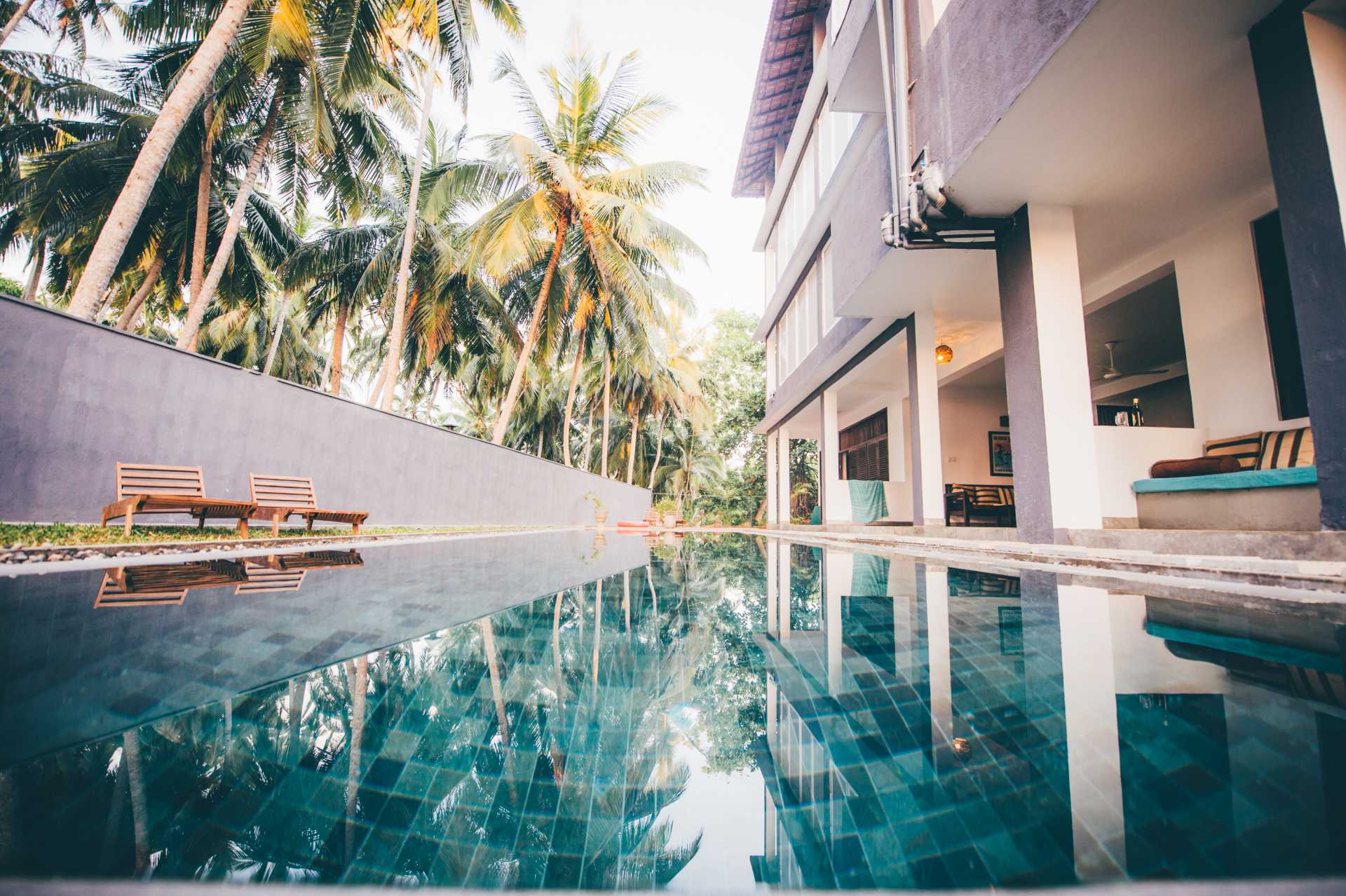 Sri-Lanka-Jasper-house-rock-pool-water