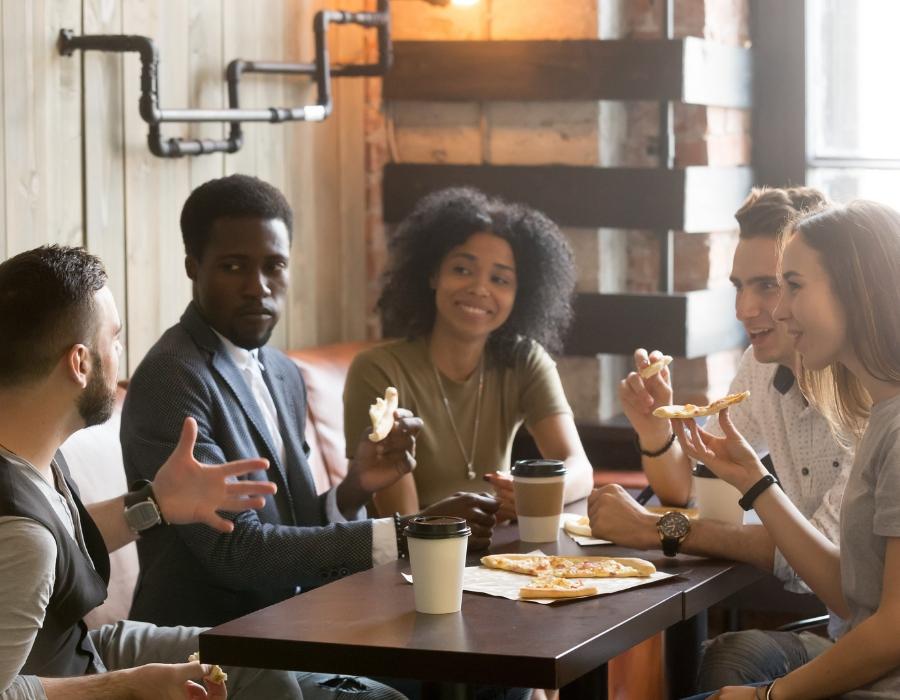 5 friends-table-coffee-talking