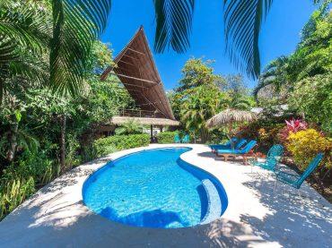 Pool and rancho las Brisas - yoga holiday costa rica