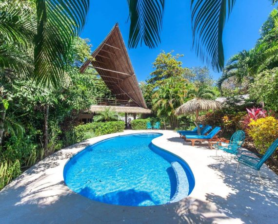 Pool and rancho las Brisas - yoga holiday costa rica