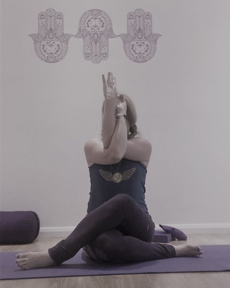 eagle arms yin yoga for autumn